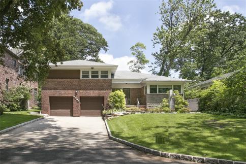 86 41 Marengo Street Holliswood, NY 11423